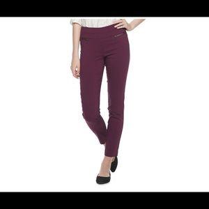 Candies maroon ankle pants